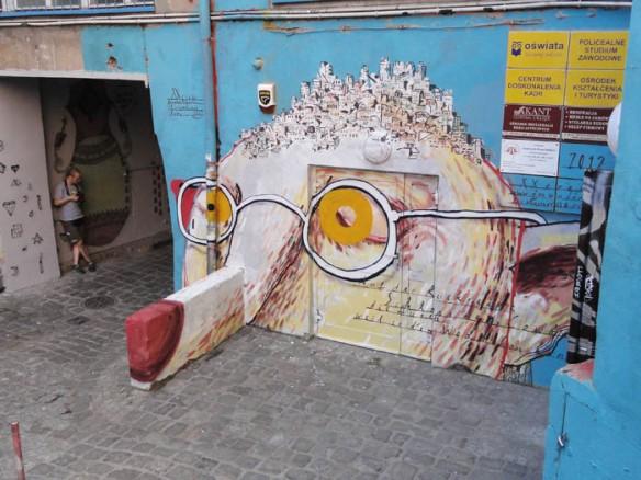 mural-wroclaw-wallpainting-graffiti-character-poland-johannes-mundinger-xxcrew-kl